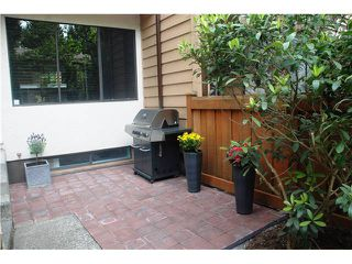Photo 2: 4792 Fernglen Drive in Burnaby South: Greentree Village Townhouse for sale : MLS®# V1064778