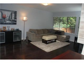 Photo 4: 4792 Fernglen Drive in Burnaby South: Greentree Village Townhouse for sale : MLS®# V1064778