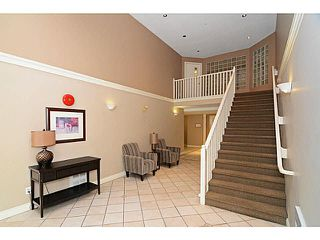 Photo 2: 305 2990 PRINCESS CRESCENT in Coquitlam: Canyon Springs Condo for sale : MLS®# V1142606