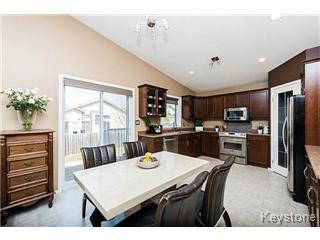 Photo 2: 73 Laurel Ridge Drive in Winnipeg: River Heights / Tuxedo / Linden Woods Single Family Detached for sale (South Winnipeg)  : MLS®# 1511713