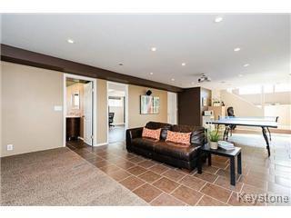 Photo 7: 73 Laurel Ridge Drive in Winnipeg: River Heights / Tuxedo / Linden Woods Single Family Detached for sale (South Winnipeg)  : MLS®# 1511713
