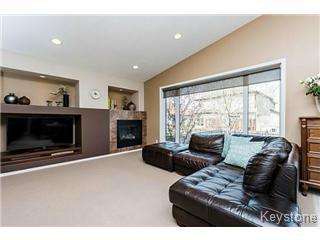 Photo 4: 73 Laurel Ridge Drive in Winnipeg: River Heights / Tuxedo / Linden Woods Single Family Detached for sale (South Winnipeg)  : MLS®# 1511713