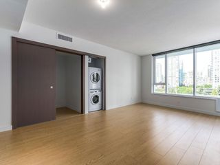 Photo 2: 715 68 Smithe Street in Vancouver: Yaletown Condo for sale (Vancouver West)  : MLS®# R2093-19