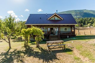 Photo 2: 6180 Northwest 40 Street in Salmon Arm: Gleneden House for sale (NW Salmon Arm)  : MLS®# 10123633