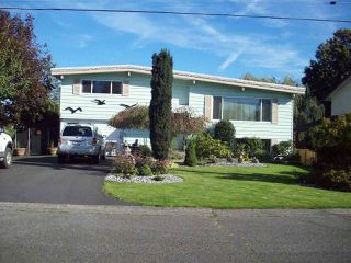 Photo 1: 9254 JAMES STREET in Chilliwack: Chilliwack E Young-Yale House for sale : MLS®# R2133014
