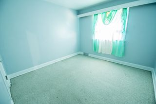 Photo 4: 885 Inkster Boulevard in Winnipeg: Old Kildonan Single Family Detached for sale (4F)