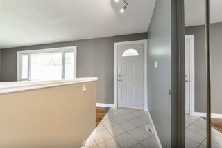 Photo 2: 14227 74 Street in Edmonton: Zone 02 House for sale : MLS®# E4172701