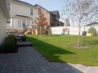 Photo 3: 1519 KINROSS Road in Edmonton: Zone 27 House for sale : MLS®# E4186669