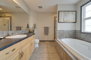 Photo 23: 1519 KINROSS Road in Edmonton: Zone 27 House for sale : MLS®# E4186669