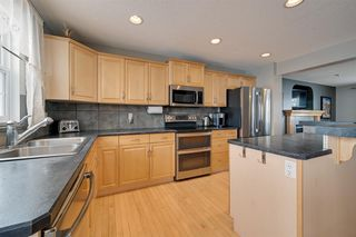 Photo 12: 1519 KINROSS Road in Edmonton: Zone 27 House for sale : MLS®# E4186669