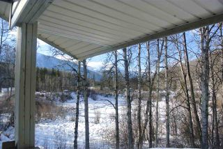 Photo 2: 1 1665 POND Road: Kitwanga Manufactured Home for sale (Smithers And Area (Zone 54))  : MLS®# R2444765