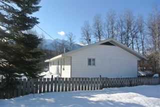 Photo 19: 1 1665 POND Road: Kitwanga Manufactured Home for sale (Smithers And Area (Zone 54))  : MLS®# R2444765