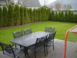 Photo 4: 5612 Unsworth in Chilliwack: House for sale : MLS®# H2600902