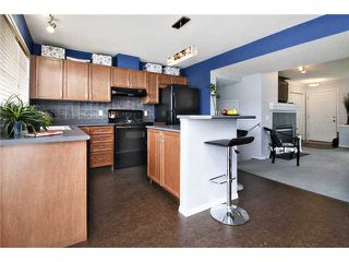 Photo 4: 32 ELGIN Bay SE in CALGARY: McKenzie Towne Residential Attached for sale (Calgary)  : MLS®# C3554299