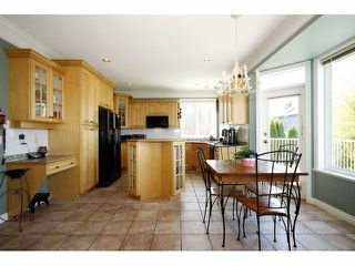 """Photo 4: 21623 MURRAYS Crescent in Langley: Murrayville House for sale in """"Murrayville"""" : MLS®# F1309560"""