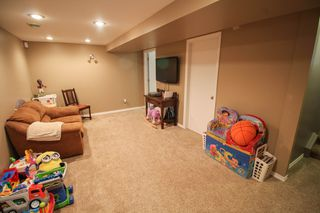 Photo 16: Gorgeous Bi-Level in Mission Gardens - $289,900