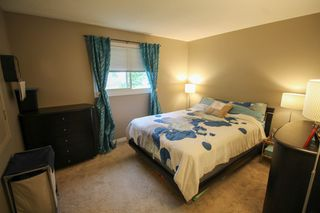 Photo 12: Gorgeous Bi-Level in Mission Gardens - $289,900