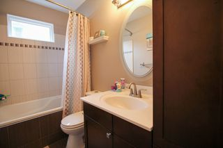 Photo 15: Gorgeous Bi-Level in Mission Gardens - $289,900