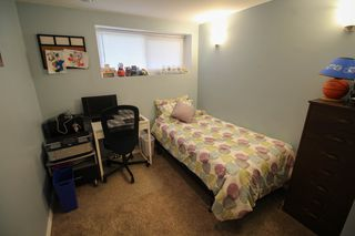 Photo 21: Gorgeous Bi-Level in Mission Gardens - $289,900