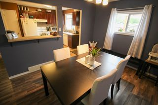 Photo 24: Gorgeous Bi-Level in Mission Gardens - $289,900