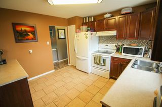 Photo 10: Gorgeous Bi-Level in Mission Gardens - $289,900