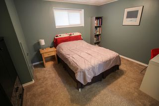 Photo 19: Gorgeous Bi-Level in Mission Gardens - $289,900