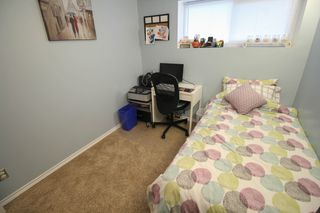 Photo 22: Gorgeous Bi-Level in Mission Gardens - $289,900