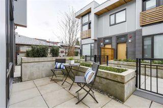 Photo 2: 6014 OAK STREET in Vancouver: Oakridge VW Townhouse for sale (Vancouver West)  : MLS®# R2150521