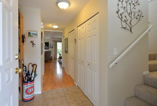 Photo 3: 21 735 PARK ROAD in Gibsons: Gibsons & Area Townhouse for sale (Sunshine Coast)  : MLS®# R2319174