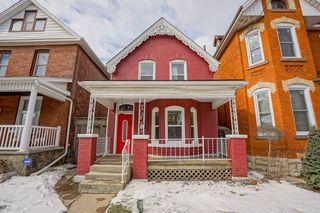 Photo 1: 57 Oak Avenue in Hamilton: House for sale : MLS®# H4047059