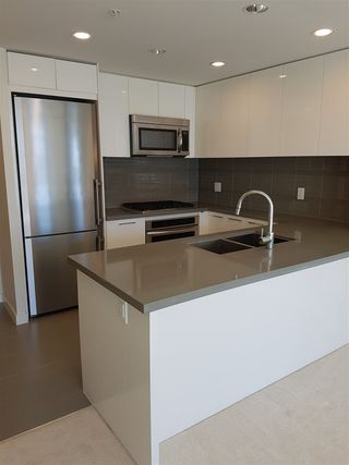 "Photo 4: 2108 4880 BENNETT Street in Burnaby: Metrotown Condo for sale in ""CHANCELLOR"" (Burnaby South)  : MLS®# R2388679"