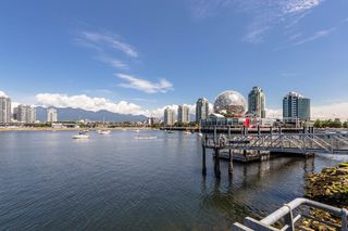 "Photo 18: 204 38 W 1ST Avenue in Vancouver: False Creek Condo for sale in ""THE ONE"" (Vancouver West)  : MLS®# R2430089"