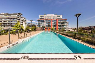 "Photo 13: 204 38 W 1ST Avenue in Vancouver: False Creek Condo for sale in ""THE ONE"" (Vancouver West)  : MLS®# R2430089"