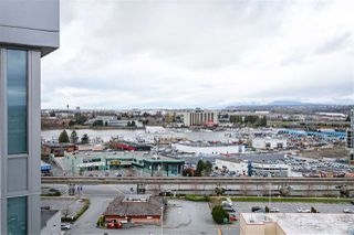 "Photo 14: 1810 8333 SWEET Avenue in Richmond: West Cambie Condo for sale in ""Avanti"" : MLS®# R2448559"