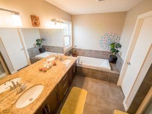 Photo 21: 21867 80 Avenue in Edmonton: Zone 58 House for sale : MLS®# E4192879