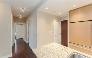 "Photo 5: 905 1468 W 14TH Avenue in Vancouver: Fairview VW Condo for sale in ""THE AVEDON"" (Vancouver West)  : MLS®# R2457270"
