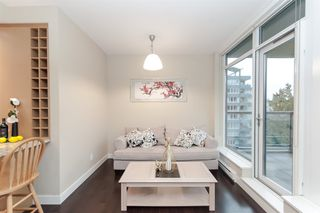 "Photo 9: 905 1468 W 14TH Avenue in Vancouver: Fairview VW Condo for sale in ""THE AVEDON"" (Vancouver West)  : MLS®# R2457270"