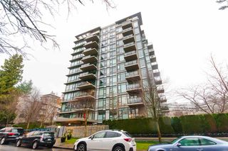 "Photo 1: 905 1468 W 14TH Avenue in Vancouver: Fairview VW Condo for sale in ""THE AVEDON"" (Vancouver West)  : MLS®# R2457270"