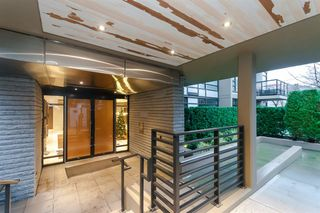 "Photo 2: 905 1468 W 14TH Avenue in Vancouver: Fairview VW Condo for sale in ""THE AVEDON"" (Vancouver West)  : MLS®# R2457270"