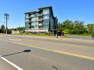 Photo 2: 404 2676 S Island Hwy in CAMPBELL RIVER: CR Willow Point Condo for sale (Campbell River)  : MLS®# 840269