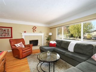 Photo 2: 242 Helmcken Rd in : VR View Royal Single Family Detached for sale (View Royal)  : MLS®# 855942