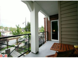 Photo 8: 216 17712 57A AV in Surrey: Cloverdale BC Home for sale ()  : MLS®# F1213973