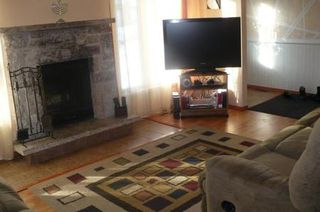 Photo 2: 21 GOVERNOR'S CRT in Winnipeg: Residential for sale (Canada)  : MLS®# 1105074