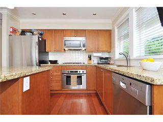 Photo 5: 4481 W 9TH Avenue in Vancouver: Point Grey Townhouse for sale (Vancouver West)  : MLS®# V957147