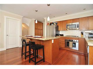 Photo 3: 4481 W 9TH Avenue in Vancouver: Point Grey Townhouse for sale (Vancouver West)  : MLS®# V957147
