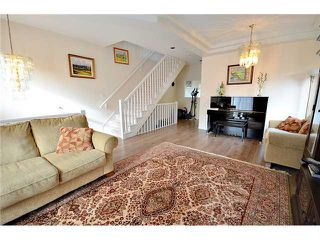 "Photo 3: 9 8651 BLUNDELL Road in Richmond: Brighouse South Townhouse for sale in ""KINGSLAND ESTATES"" : MLS®# V990146"