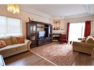 "Photo 2: 9 8651 BLUNDELL Road in Richmond: Brighouse South Townhouse for sale in ""KINGSLAND ESTATES"" : MLS®# V990146"