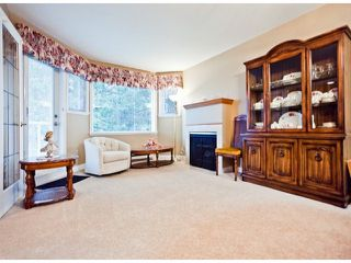 """Photo 1: 208 13965 16TH Avenue in Surrey: Sunnyside Park Surrey Condo for sale in """"WINDSOR HOUSE"""" (South Surrey White Rock)  : MLS®# F1305282"""