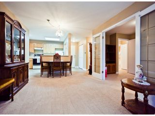 "Photo 2: 208 13965 16TH Avenue in Surrey: Sunnyside Park Surrey Condo for sale in ""WINDSOR HOUSE"" (South Surrey White Rock)  : MLS®# F1305282"