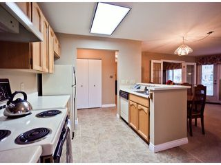 """Photo 4: 208 13965 16TH Avenue in Surrey: Sunnyside Park Surrey Condo for sale in """"WINDSOR HOUSE"""" (South Surrey White Rock)  : MLS®# F1305282"""
